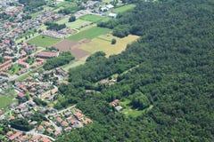 Sikt av Milano Malpensa höjd 1500 meter Arkivfoto