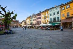 Sikt av mittbyn av Orta San Giulio, Novara landskap, Orta sjö, Italien royaltyfria foton