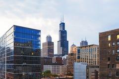 Sikt av mitten Chicago och skyskrapor i i stadens centrum Chicago, Illinois, USA Arkivfoto