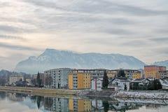Sikt av modern byggnad i Salzburg, Österrike Royaltyfri Fotografi