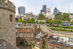 Sikt av moderna London från tornet av London Arkivbild