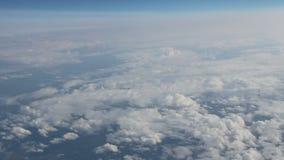 Sikt av molnen från över stock video