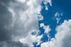 Sikt av molnen från Adam Lookout royaltyfri foto