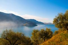 Sikt av Monte Isola i Italien Royaltyfria Bilder