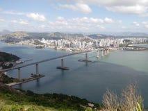 Sikt av Moreno'sens Morro, Terceira ponte Royaltyfria Foton
