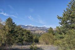 Sikt av Mount Etna på en höjd av 1.800 meter med snöresi Fotografering för Bildbyråer