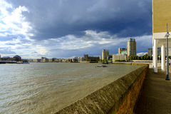 Sikt av ön av hundkapplöpning i London Arkivfoton