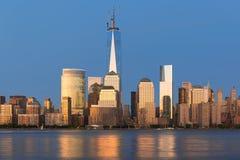 Sikt av natten Manhattan arkivbild
