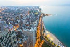 Sikt av norr Chicago på solnedgången Arkivbild