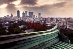 Sikt av Osaka City från Osaka Castle Arkivfoto