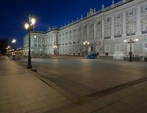 Sikt av Palacio som är verklig vid natt arkivbild