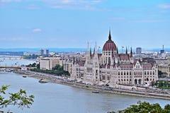 Sikt av Parlamenten och Donauen i Budapest, Ungern Royaltyfri Foto