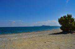 Sikt av Pebblet Beach av Maleme Royaltyfria Bilder