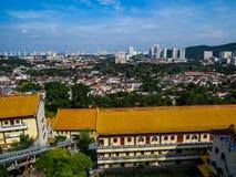 Sikt av Penang från Kek Lok Si Temple royaltyfria bilder