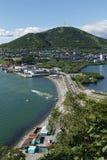 Sikt av Petropavlovsk-Kamchatsky port Kamchatka Ryssland Royaltyfri Foto