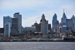 Sikt av Philadelphia horisont i Pennsylvania Royaltyfria Bilder