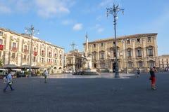 Sikt av Piazza del Duomo i Catania arkivfoton