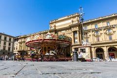 Sikt av piazzadellaen Repubblica och karusellen Antica Gios Fotografering för Bildbyråer
