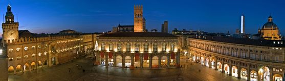 Sikt av piazzamaggiore - bologna Royaltyfri Fotografi