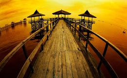 Sikt av pir och kusten Royaltyfri Foto