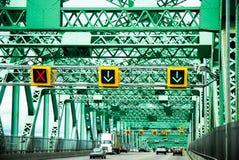Sikt av pont jacques som är mer cartier i montreal i Kanada Arkivbilder