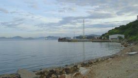 Sikt av port från stranden stock video