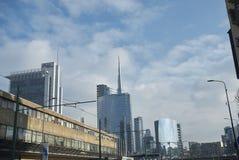 Sikt av Porta Nuova skyskrapor royaltyfria bilder
