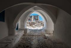 Sikt av porten för slott för astypalaia` s royaltyfria bilder