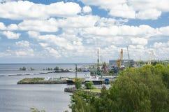 Sikt av porten Petrozavodsk Royaltyfria Bilder