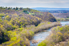 Sikt av Potomacet River från Maryland höjder, i Harpers Ferr Fotografering för Bildbyråer