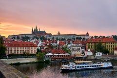 Sikt av Prague från bron Royaltyfria Bilder
