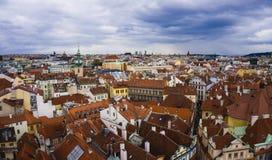 Sikt av Prague tak Arkivfoton