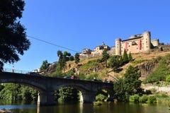 Sikt av Puebla de Sanabria, Zamora landskap, Castilla-Leon, Spai royaltyfria bilder