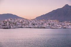 Sikt av Puerto Banus, Spanien Arkivbilder