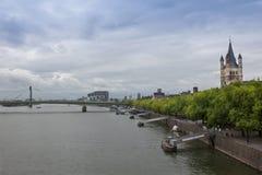 Sikt av Rhine River från den Hohenzollern bron fotografering för bildbyråer