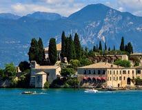 Sikt av Riva del Garda, sjö Garda, Italien Royaltyfri Fotografi