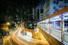 """Sikt av Robinson Road på natten, från Centralâ€en """"Mitt--nivåer Es Royaltyfria Foton"""