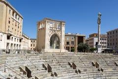 Sikt av Roman Amphitheatre i Lecce arkivbild