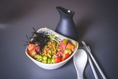 Sikt av salladen med ris och havskål Royaltyfri Fotografi
