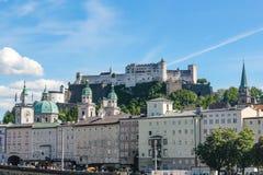 Sikt av Salzburg och omgivning, Österrike arkivfoto