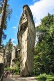 Sikt av sandstenpelarna Teplice-Adrspach vaggar staden Stenig stad i Adrspach - nationell naturreserv i Tjeckien Royaltyfria Bilder