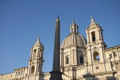Sikt av Sant Agnese i Agone basilika royaltyfri fotografi