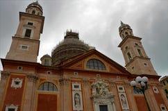 Sikt av Santa Maria Assunta Church - Genoa Landmarks royaltyfria foton