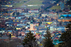 Sikt av Schladming i Österrike Royaltyfri Bild