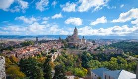 Sikt av Segovia via Alcazar arkivbilder