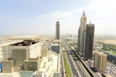 Sikt av Sheikh Zayed Road skyskrapor i Dubai, UAE Royaltyfria Foton