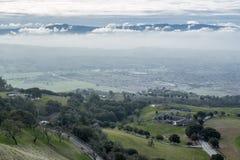 Sikt av Silicon Valley från monteringen Hamilton på en molnig dag Fotografering för Bildbyråer