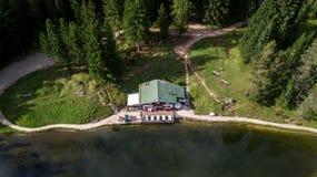 Sikt av sjön Ajal ` Ampezzo, Dolomites, Italien för Cortina D Royaltyfri Foto