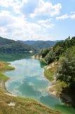 Sikt av sjön av Salto i Abruzzo, Italien 55 Royaltyfri Foto