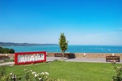 Sikt av sjön Balaton med skepp från Tihany, Ungern Royaltyfria Bilder